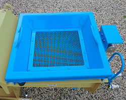 Vibrating screen for traditional mortars of small plaster sprayer FCX 80