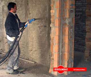 spraying of traditional mortar with piston plastering machine P 90 M
